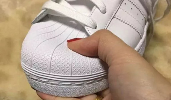 adidas 贝壳头1.jpg