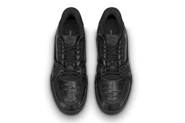 LV 全新 LV Trainer 鞋款「暗黑」版本1.jpg